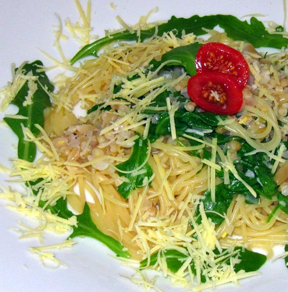 Spaghetti mit Rucola an Weißweinsauce