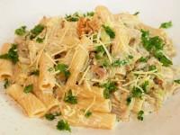 Tortiglioni mit Wirsing-Walnuss-Sauce