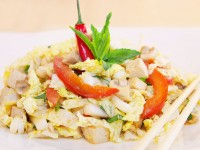 Asiatischer Chinakohl-Salat mit Tofu