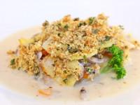 Kartoffel-Kohlrabi Gratin mit Haselnusskruste