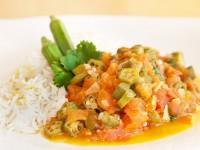 Okra-Curry nach indischem Rezept (Masala-Bhindi)