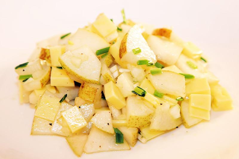 Veganer Birnen-Käse-Salat